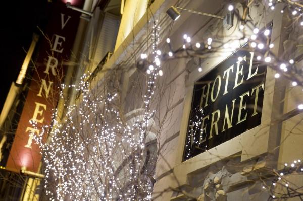 HOTEL VERNET FACADE NOEL LOB_3159 CREDIT NICOLAS LOBEY