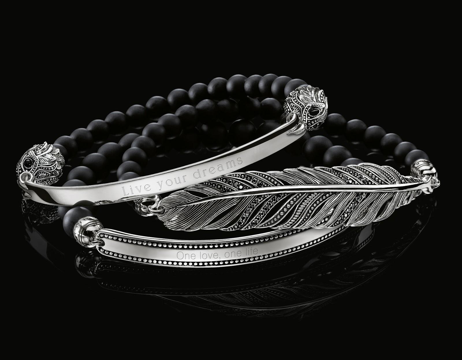 Amoureux, meilleurs amis ou membres de la famille, peu importe, gravé de mots tendres ou de belles devises, le Love Bridge bracelet exprime toujours avec
