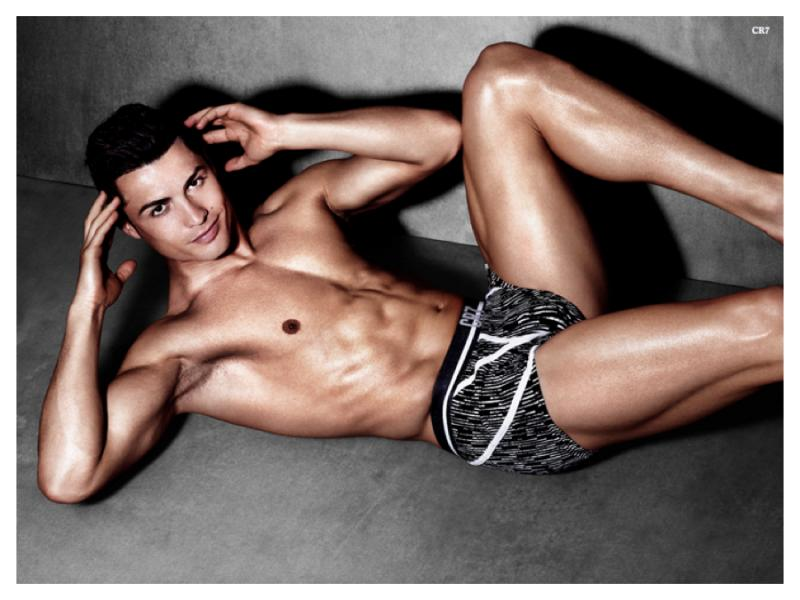 Cristiano-Ronaldo-CR7-Underwear-Spring-Summer-2015-Campaign-Shoot-002-800×600